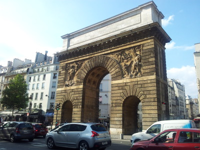 paris-enphoto:   - Porte Saint-Martin. L'Arc fut construit pour honorer les victoires de Franche-Comté et sur le Rhin, et est construit à l'emplacement de l'ancienne Enceinte Charles V. Elle est construite durant la Guerre de Cent Ans sur la rive droite pour protéger les faubourgs parisiens (Temple, Saint-Paul, etc.). A l'est, le Chastel Saint-Antoine est construit pour défendre Paris des Anglais – et le Roi des parisiens. Les parisiens l'appelleront Bastide Saint-Antoine puis la Bastille.  - Porte Saint-Martin. The Arc was built to honour Louis XIV's victories in Franche-Comté and on the Rhine, and is located at the site of the ancient Wall of Charles V. It was Built on the right bank during the Hundred Year's War to protect Paris suburbs (today's Marais: Faubourgs du Temple, Saint-Paul, etc.). On the east, the Chastel (castle) Saint-Antoine is built to defend Paris from the English - and King Charles V from Parisians. The Parisians called it Bastide Saint-Antoine, and later la Bastille.