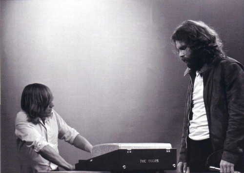 Ray Manzarek & Jim Morrison in 1971