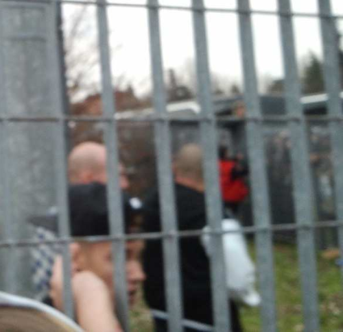 bieber-news:  Justin greeting fans outside the Arena in Bologna