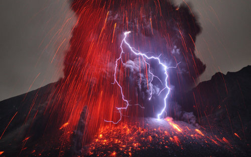 Remarkable Images of Volcanic Lightning
