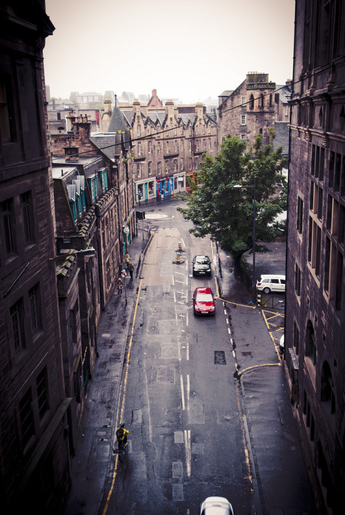 "allthingseurope:  Edinburgh, Scotland (by ming -_-"")"