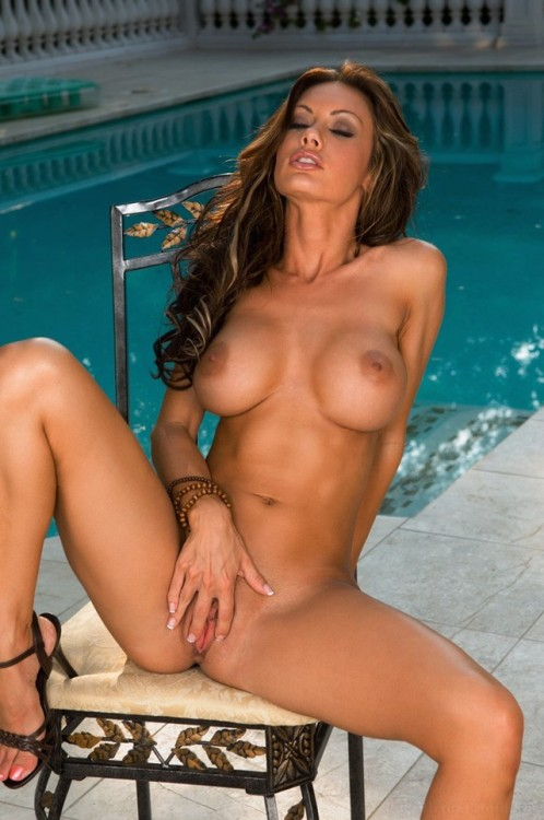 (via Sexy porn star Crissy Moran masturbating naked by the pool | Perverse Mature Women Hot Mature Women Sexy Women)