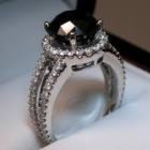 Dream wedding/engagement ring #BlackDiamond