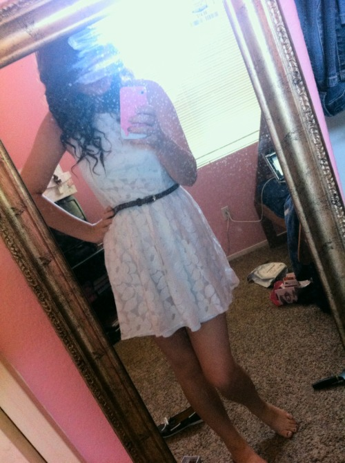 I love this dress I LOVW THIS DRESS