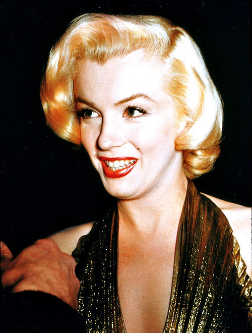 Marilyn photographed at the Photoplay Awards, 1953
