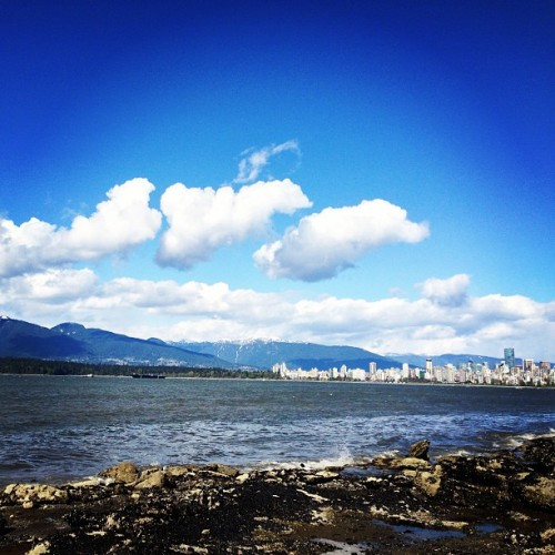 Just a little bit of heaven #vancouver #bc #canada #sky #mountains #clouds #city #ocean #view