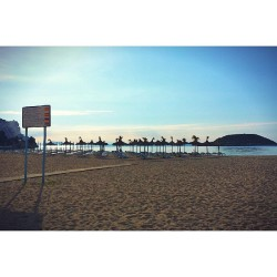 Magaluf beach this #morning #tagsforlikes #tagstagram #beach #beaches #summer #sky #skyporn #sun #sunny #sea #bestvacations #travel #mallorca #photooftheday #photography #igaddict #instagrammers #instagood #instadaily #instatravel #pleaselike #instalike #follow #beautiful (på/i Platja de Magaluf)
