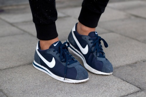 what-do-i-wear:  Nike Cortez sneakers(image: indiarose)