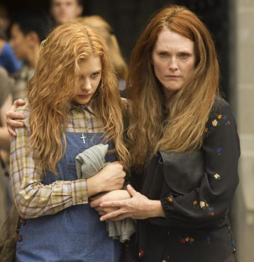 suicideblonde:  New still from Carrie starring Chloe Moretz and Julianne Moore  CARRIE