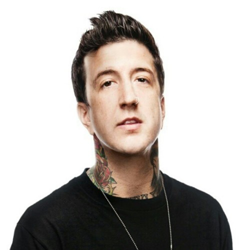 AP cover star @AustinCarlile will be taking over our Twitter account tomorrow afternoon! Follow us: @AltPress for more info! #AskAustinAP!