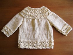 - baby - my second piece of knitted clothing! a raglan-style cardigan for baby :-) link to my blog post: http://www.laaperdesign.com/2013/01/my-creations-yellow-baby-cardigan.html