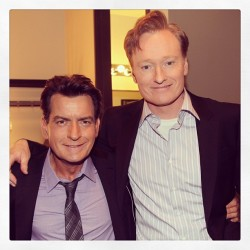 @charliesheen & Conan in the green room. #conan #charliesheen #angermanagement (at Warner Bros Stage 15)