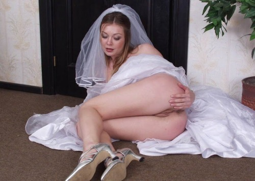 xxxbrides:  Real amateur newly-wed wives get naughty in their wedding dresses!  http://bride.naughtyfilth.com