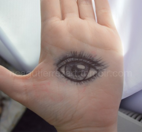 The all-seeing eye… in my hand. My drawing ;)
