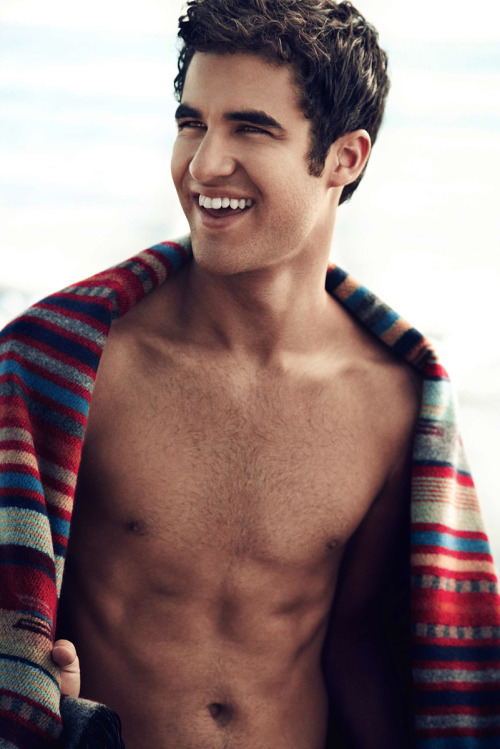 manry-m41:  Oh my Darren Is so fucking hot <3
