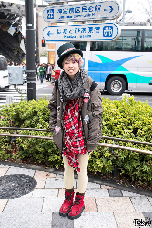tokyo-fashion:  Top hat, bomber jacket & high top creepers in Harajuku.