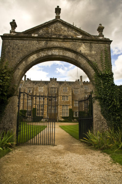 allthingseurope:  Chastleton House, Oxfordshire, UK (by Sic Itur Ad Astra)
