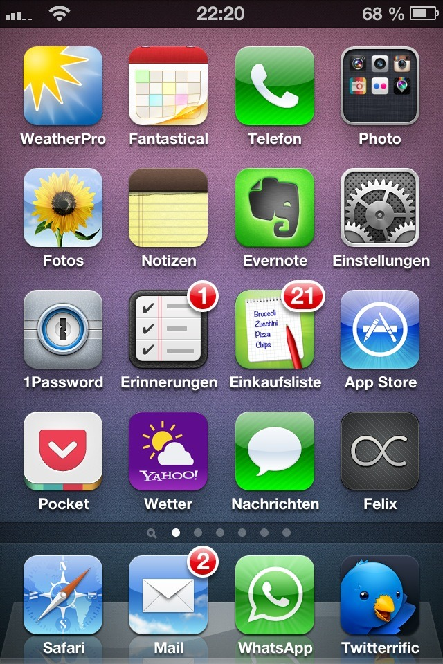 btw #ios #homescreen Five-In-A-Row  - Posted using Mobypicture.com