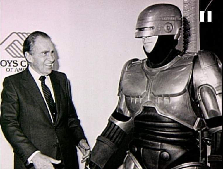 Happy Presidents day! Here's a photo of Richard Nixon and Robocop hanging out together.  [via AwesomePeopleHangingOutTogether]
