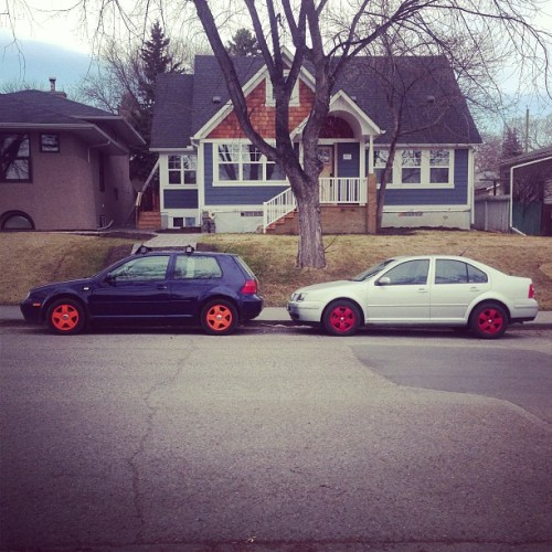 duck-duck-dub:  Adam and I'd beautiful TDI's. Check out those wheels! @adammurraybmx #vw #volkswagen #golf #jetta #tdi #diesel #plastidip