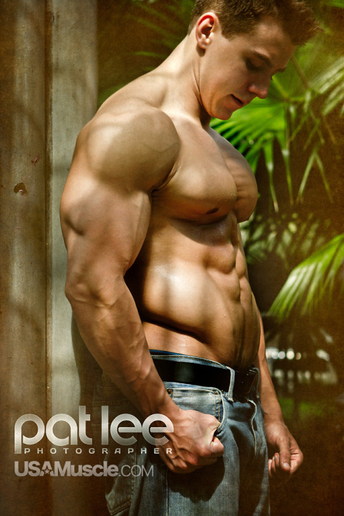 drwannabe:  Josh Hyaduck; photo by pat Lee       (via TumbleOn)