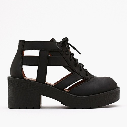 alaveu:  l-agerfield:  these are sooo beautifull but so expensive :(  q'd! x