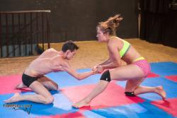 femdom-wrestling:Battle of the sexes Source: MX-99 Diana vs Viktor