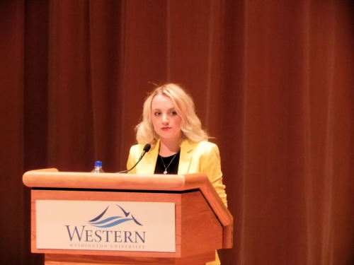 just-smileorlaugh:  Evanna Lynch came to speak at my school tonight! She is amazing and so sweet. I got to meet her too! I loved what she had to say :)