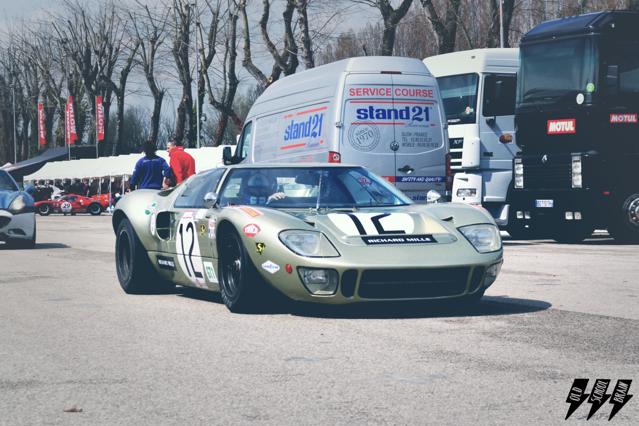 Sex machine. Ford GT40 mark II. Author: Michele Deni