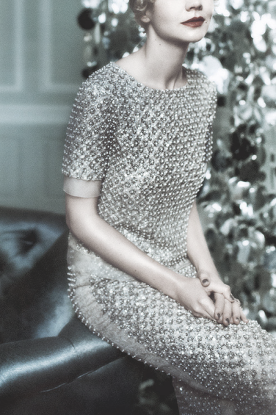 "pivoslyakova:  Detail of Carey Mulligan as Daisy Buchanan from ""The Great Gatsby"" wearing Oscar de la Renta Fall 2013, ph. by Mario Testino 