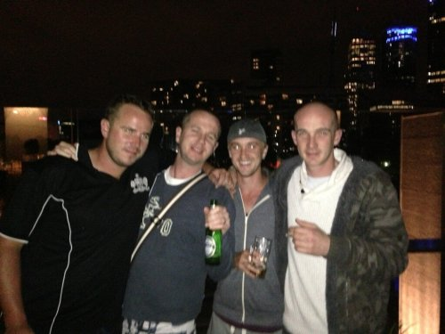Tom with all his bros! Courtesy of Chris Felton's twitter. I think they're getting together for Ashley's wedding in australia :)  Left to right: Ashley, Jon, Tom (duh), and Chris
