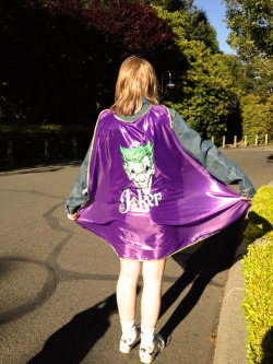 oh yeah i went to six flags last sunday and i got this really awesome cape