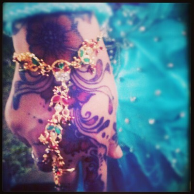#arts #artsfreak #lovelythingies #thingies #mahendi #pacar #india #wedding #fun #project #homesweethome #instagram #intaphoto #instafamily #instamood #accessories #flowers #miawlovearts #sister