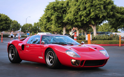 musclecarblog:  Ford GT40 Replica, Cars and Coffee, Irvine by Kevin Ho 車 Photography on Flickr.