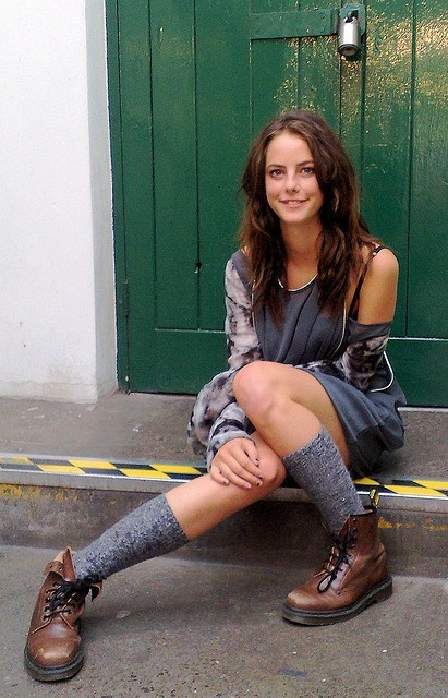 EFFY STONEM! (Kaya Scodelario) she's so fucking fit with that dr martens boot!