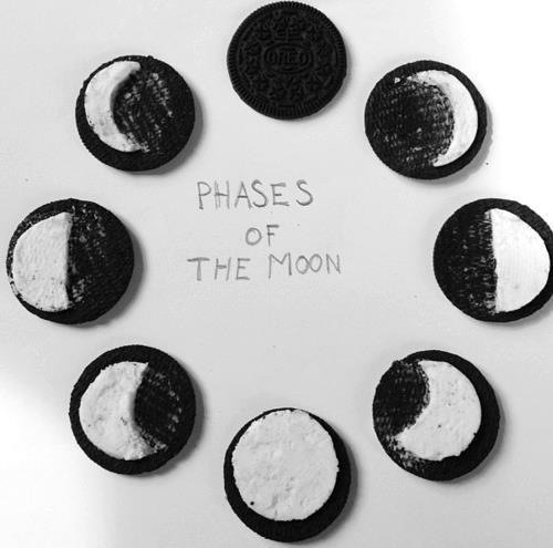 sweetm0nster:  oreos | Tumblr on We Heart It - http://weheartit.com/entry/49825959/via/lilianliarte
