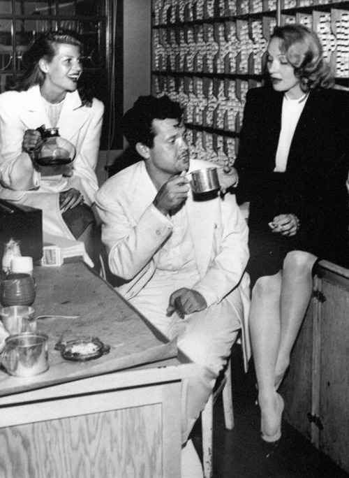 awesomepeoplehangingouttogether:  Rita Hayworth, Orson Welles and Marlene Dietrich