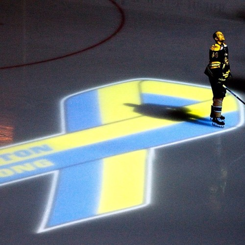 nhlbruins:  Seidenberg watches the pregame 'Boston Strong' video prior to puck drop #nhlbruins  Bravo