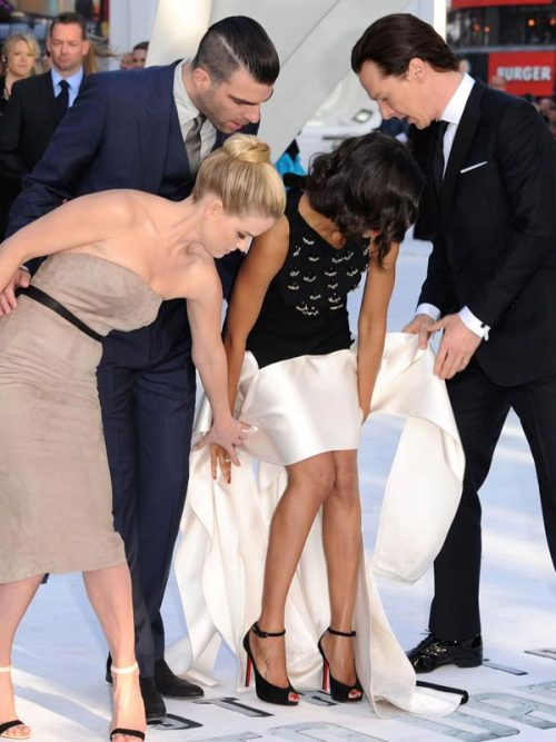 stolenbytigers:  Zachary Quinto, Alice Eve, and Benedict Cumberbatch help Zoe Saldana out with her dress when a gust of wind blows it up on the red carpet.