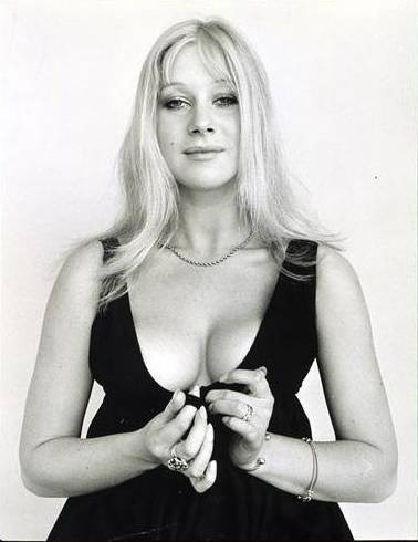 lapielquebrilla:  Helen  Helen Mirren. I think I just broke my brain…