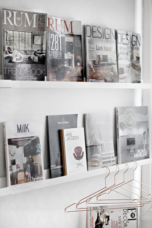 magazine wall (via STYLIZIMO BLOG)