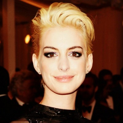 Gorgeous!!!!!!!!!! #annehathaway #gorgeous #stunning #beautiful #hot #blond #shorthair #vs #style #fashionidol #fashionista #shoutout #photooftheday #instagood