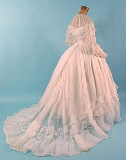 tawnyscostumesandcuriosities:  1860 wedding dress