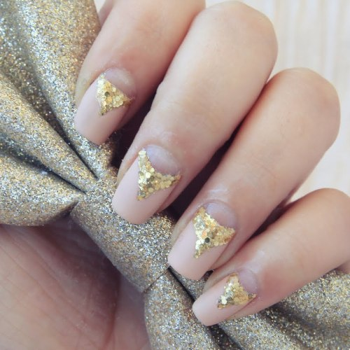 preendotme:  Warning: These nails might compete with your jewelry. See exactly what Elisa used to get the look: http://www.preen.me/look/6198570