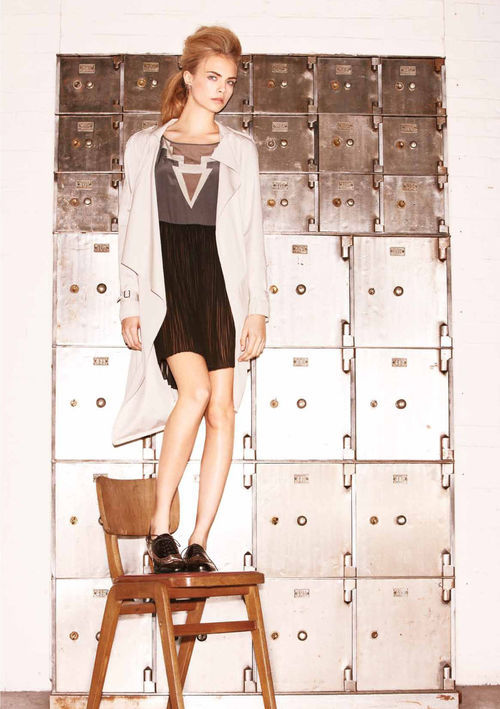 journaldelamode:    Cara Delevigne for Oxygen Boutique Spring-Summer 2011 Lookbook