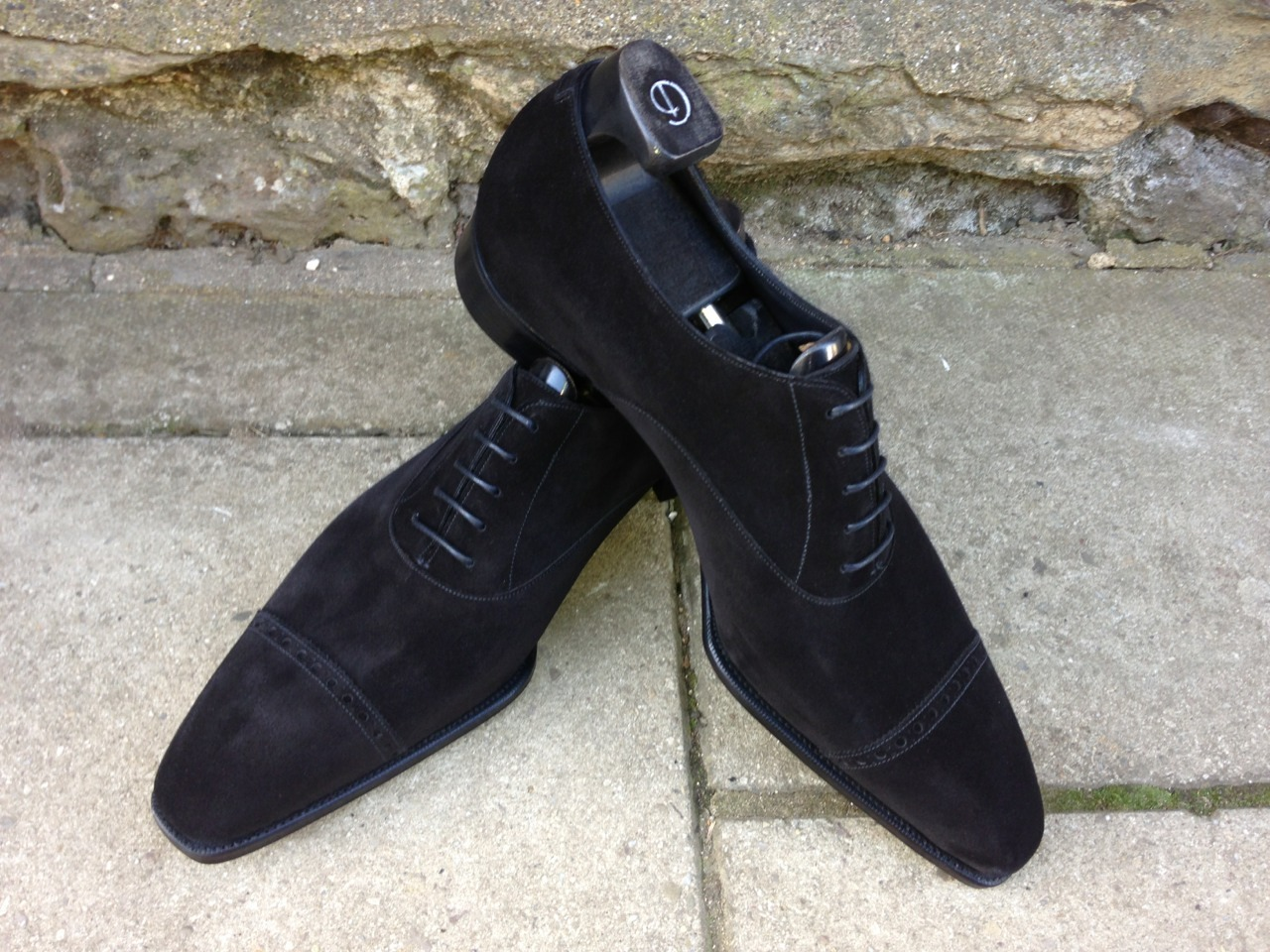 bespoke-england:  G&G Cliffe in Black Suede