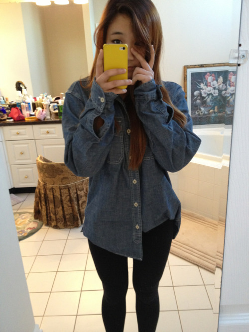 Hi :> This is a denim jacket that I bought for a boyfriend but I never got it to him because we broke up before I had the chance to give it to him. So I wear it now LOL. I think it looks better on me anyways :)