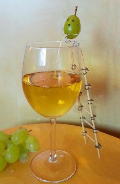 funnyandhilarious:  Homemade Wine»