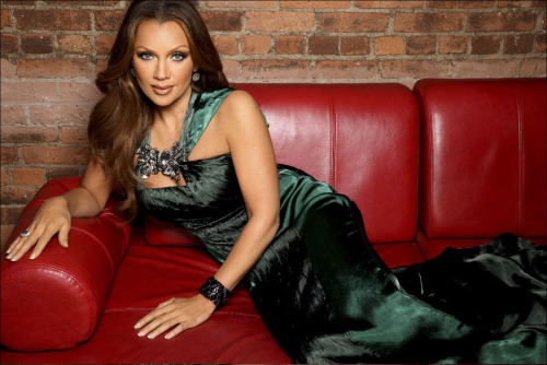 My Pisces Sista is still looking fabulous …  *** VANESSA WILLIAMS *** Born:  March 18, 1963 Birthplace:  Tarrytown, NY ENJOY YOUR PISCES SEASON CELEBRATION VANESSA!   What type of energy does it take to satisfy this Pisces Goddess?