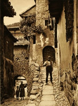 firsttimeuser:  Albarracín, Spain, 1925 by Kurt Hielscher